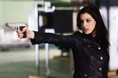 Anne Hathaway set to play Selina Kyle/Catwoman in Christopher Nolan's THE DARK KNIGHT RISES