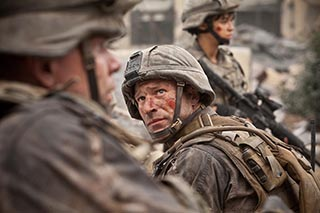 Aaron Eckhart wages an uphill fight in BATTLE: LOS ANGELES