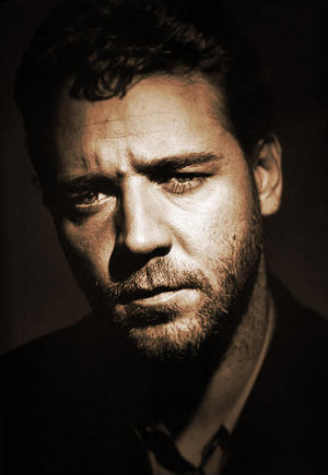 Russell Crowe to portray Jor-El, Superman's Kryptonian father in Zack Snyder's MAN OF STEEL