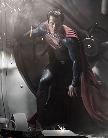 Click to open hi-res image of new Superman suit for MAN OF STEEL