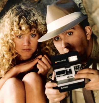 (L to R) Cynthia Thompson and Daniel Roebuck star in the teenage sex comedy CAVEGIRL