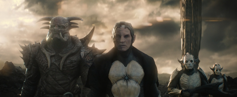 MARVEL'S THOR: THE DARK WORLD L to R: Kurse (Adewale Akinnuoye-Agbaje) and Malekith (Christopher Eccleston).Ph: Film Frame. © 2013 MVLFFLLC. TM & © 2013 Marvel. All Rights Reserved.